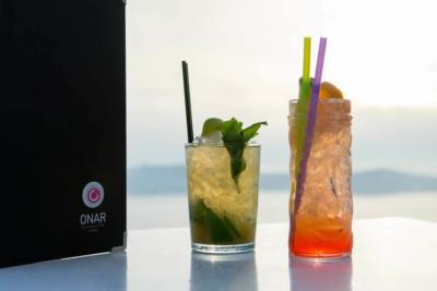 onar-santorini-cafe-bar-restaurant-drinks