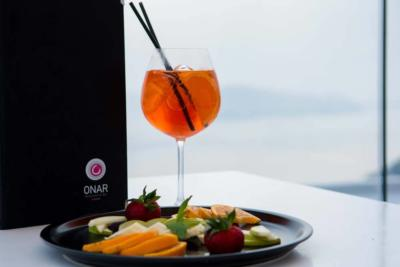 onar-santorini-cafe-bar-restaurant-menu-drinks-frouta